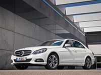Mercedes presenta una variante del E200 impulsado por gas natural