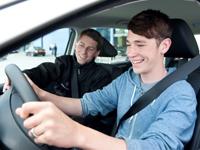 Los españoles son los conductores jóvenes mejor valorados de Europa