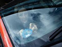 La DGT mandará distintivos ecológicos a los propietarios de coches eléctricos