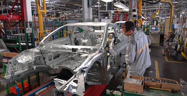 Aumenta la fabricación de vehículos en España