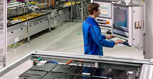 BMW compartirá la tecnología de sus baterías