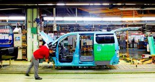 Nissan aumenta su plantilla en su fábrica de Barcelona