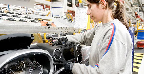 La próxima generación de vehículos industriales de PSA y GM se fabricará en Vigo
