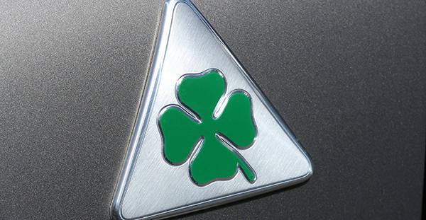 Sabías Por Qué Alfa Romeo Coloca Un Trébol En Sus Coches