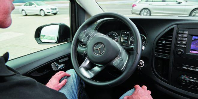Sistema de aparcameitno autónomo de Mercedes-Benz