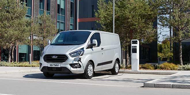 Ford presenta su nueva Ford Transit Custom en versión híbrida enchufable
