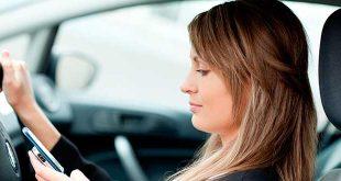 La DGT penalizará utilizar el móvil al volante
