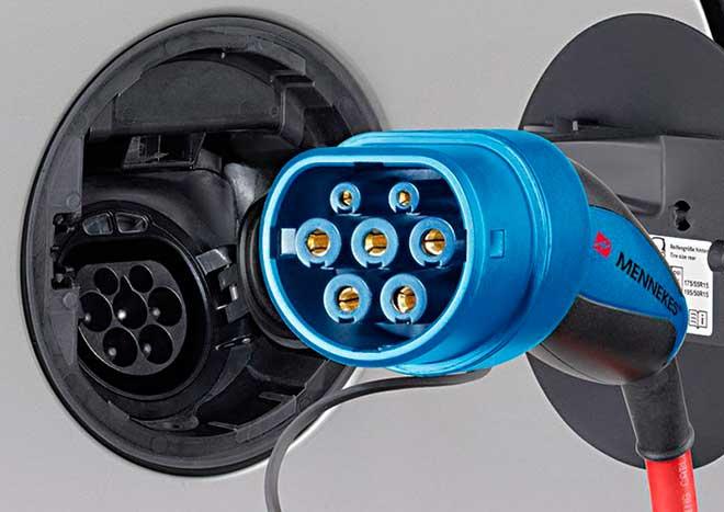 Tipo de conector coche eléctrico