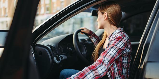 como sentarse al volante
