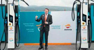 Repsol inaugura el primer punto de recarga ultra-rápida de España