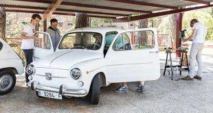 Un grupo de estudiantes convierte un SEAT 600 en eléctrico