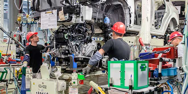 Desciende la producción de coches en España