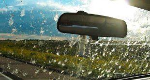 Cómo mantener limpio el parabrisas del coche