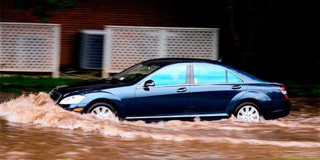 Qué hacer y a quién reclamar si el coche sufre daños por tormentas