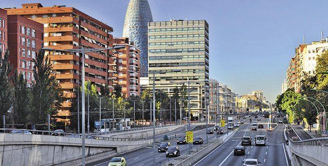 Los coches sin etiqueta de la DGT pagarán diariamente para circular en Barcelona