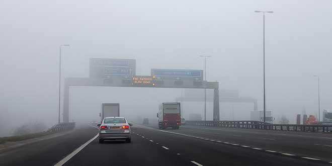 Ocho consejos para conducir seguro con niebla