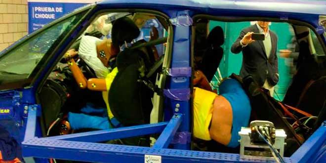 Un estudio de RACE demuestra las consecuencias de sentarse mal en el coche