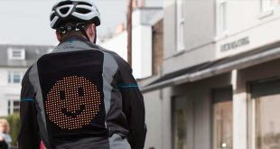 Ford crea una chaqueta para ciclistas que proyecta emojis