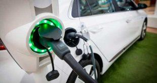 Las matriculaciones de vehículos electrificados y de gas vuelven a subir en agosto