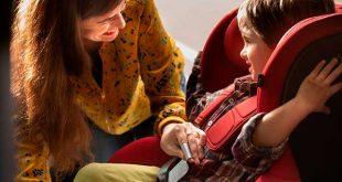Los padres emplean cuatro días enteros al año en sentar a sus hijos en el coche según SEAT
