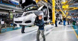 La producción de vehículos desciende un 32,7% en lo que va de año