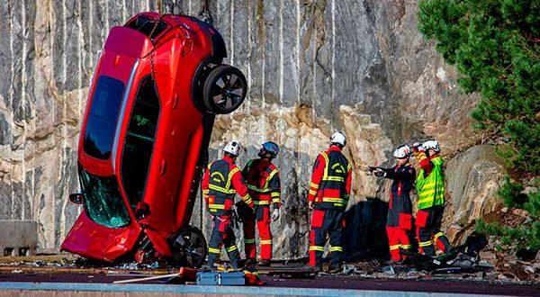 """Volvo estrena un """"crash test"""" extremo para poner a prueba la seguridad de sus vehículos"""