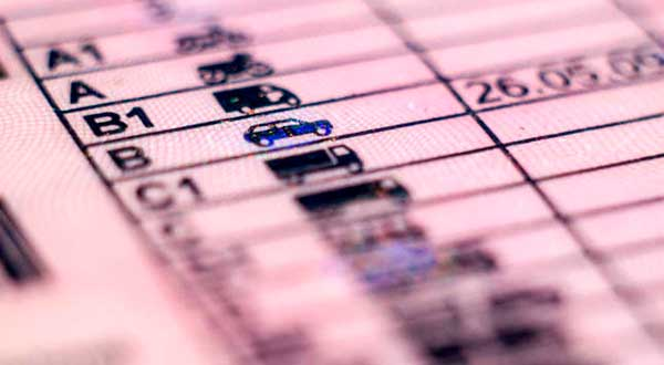 Los británicos residentes en España deberán cambiar su carnet de conducir antes de final de año