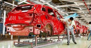 La producción de vehículos continúa descendiendo en España