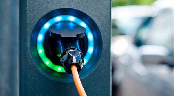 ANFAC presenta 16 medidas para impulsar la instalación de puntos de recarga eléctrica