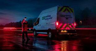 Ford desarrolla unos paneles luminosos de seguridad para vehículos comerciales