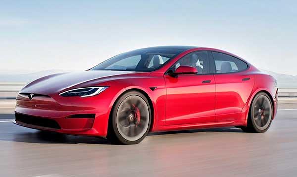 Tesla Model S viajar